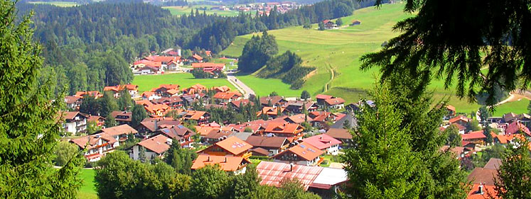 Blick auf Obermaiselstein vom großen Herrenberg aus